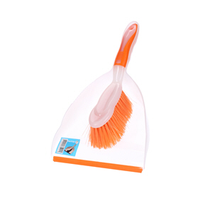 Clean N'Clear Dust Pan with Brush