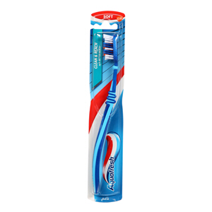 Aquafresh Tooth Brush Clean & Reach Soft